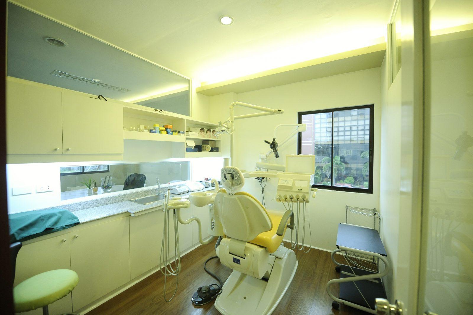 Lim Dental Treatment Room