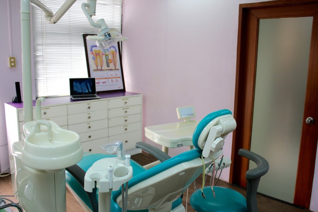 Winning Smiles Dental Clinic Treatment Room 2